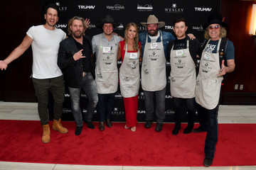 Russell Dickerson Waiting For Wishes Celebrity Waiters Dinner With Kevin Carter & Jay DeMarcus