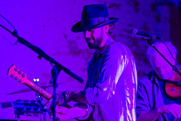Ryan Bingham Musicians Perform in Hollywood