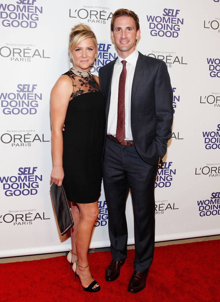 jessica capshaw christopher gavigan photos self magazine 5th annual women doing good awards. Black Bedroom Furniture Sets. Home Design Ideas
