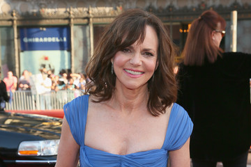 Sally Field 42nd AFI Life Achievement Award Honoring Jane Fonda - Red Carpet
