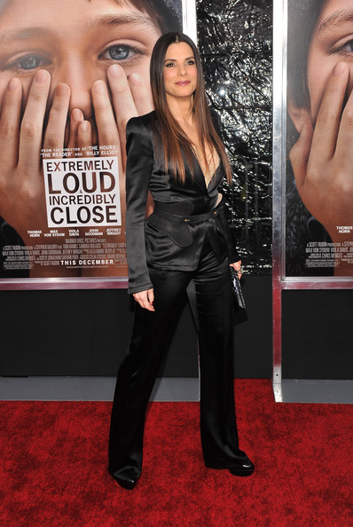 "Sandra Bullock Actress Sandra Bullock attends the ""Extremely Loud & Incredibly Close"" New York premiere at the Ziegfeld Theater on December 15, 2011 in New York City."