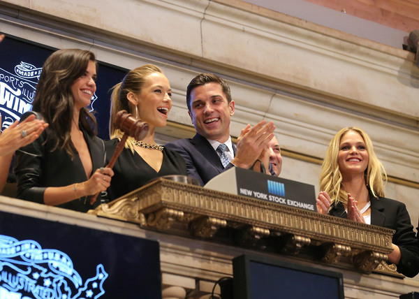 'SI' Swimsuit Models Ring the NYSE Closing Bell [sports illustrated,event,news conference,leisure,tourism,performance,swimsuit models,swimsuit models,thomas farley,closing bell,erin heatherton,editor,si,nyse,new york stock exchange]