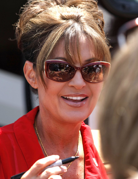 Sarah Palin Speaks At Tea Party Gathering In Michigan - Zimbio