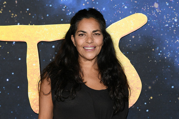 """""""Cats"""" World Premiere [cats,smile,beauty,yellow,fun,space,happy,long hair,photography,black hair,gesture,sarita choudhury,alice tully hall,new york city,lincoln center,cats world premiere,world premiere]"""