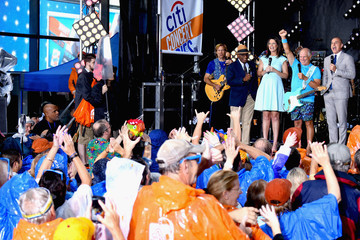 Savannah Guthrie Jimmy Buffett Performs on NBC's 'Today'