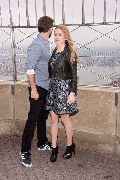 Britt Robertson And Scott Eastwood Visit The Empire State Building