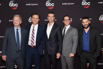 Scott Foley 2015 ABC Upfront - Arrivals
