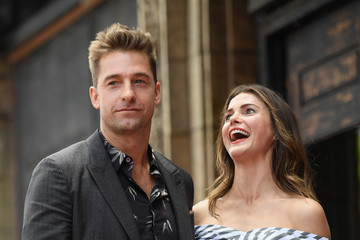 Scott Speedman Keri Russell Honored with a Star on the Hollywood Walk of Fame