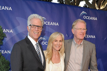 Rachelle Begley SeaChange Summer Party To Benefit Oceana - Red Carpet