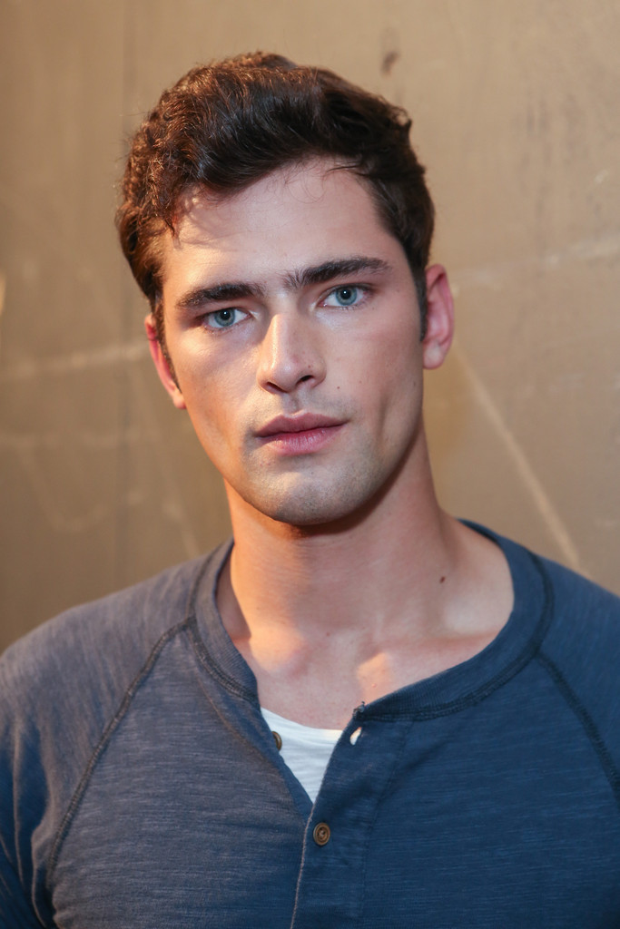 Sean O'Pry Images http://www.zimbio.com/photos/Sean+O'Pry/Billy+Reid+Backstage+Spring+2013+Mercedes/MLe43aGf2lu