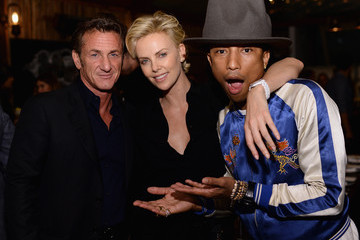 "Sean Penn Stars Celebrate Pharrell Williams and ""Happy"""