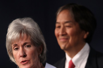 Howard Koh Sebelius And Vilsack Unveil Government's New Dietary Guidelines For Americans