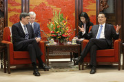 Chinese Premier Li Keqiang (R) speaks with US Secretary of the Treasury Jack Lew during their meeting in Zhongnanhai Leadership Compound on February 29, 2016 in Beijing, China.