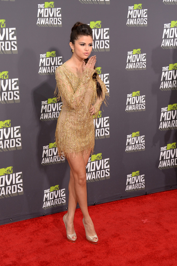 مـهـرجــــان 2013 Movie Awards Selena+Gomez+2013+MT