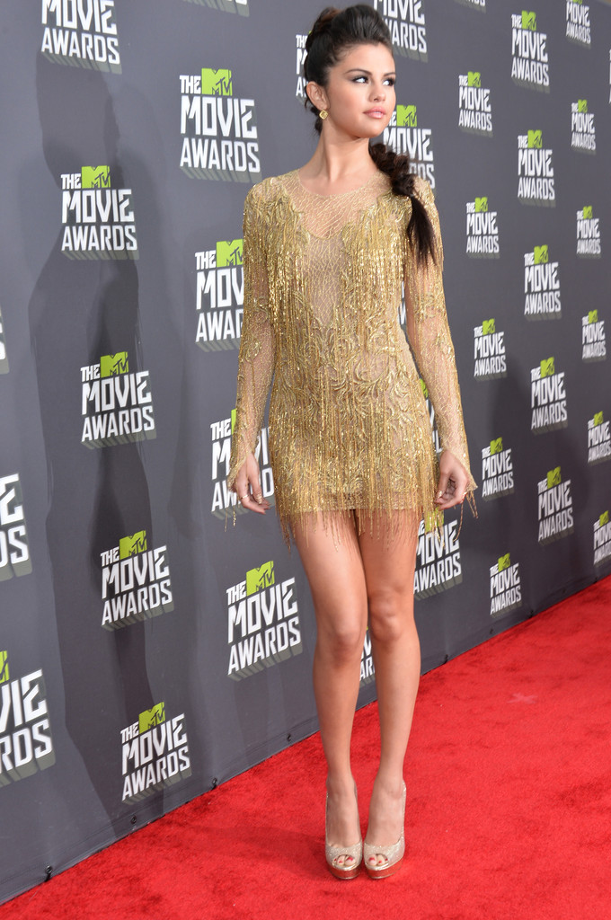 مـهـرجــــان 2013 Movie Awards Selena Gomez 2013 MTV Movie Awards Red Carpet ydZZGzFzbTDx.jpg