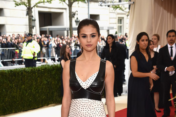 Selena Gomez 'Manus x Machina: Fashion In An Age of Technology' Costume Institute Gala - Arrivals