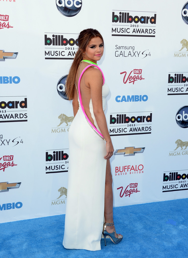 Selena Gomez - Arrivals at the Billboard Music Awards — Part 3