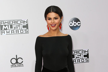 Selena Gomez Arrivals at the American Music Awards — Part 2