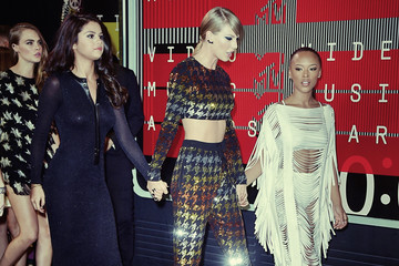 Selena Gomez Taylor Swift 2015 MTV Video Music Awards - Instant View