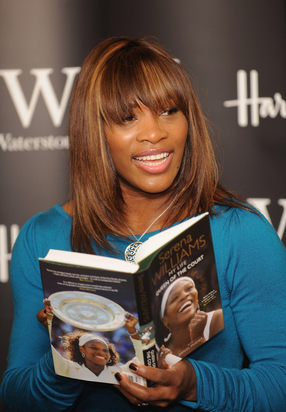 Venus & Serena Williams - 2 - Page 3 Serena+Williams+Book+Signing+PX0WE836Y2Xl