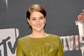 Shailene Woodley Press Room at the MTV Movie Awards — Part 2