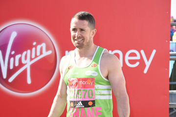 Shane Williams Celebrities Participate in the Virgin London Marathon