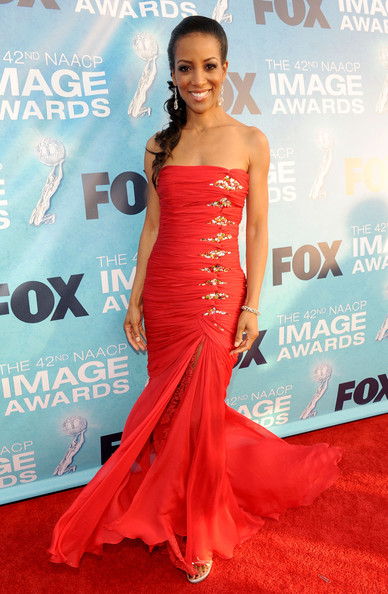 Shaun Robinson - 42nd NAACP Image Awards - Red Carpet