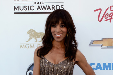 Shaun Robinson Arrivals at the Billboard Music Awards — Part 3