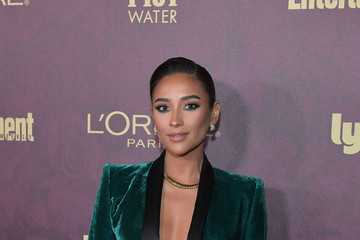 Shay Mitchell Entertainment Weekly And L'Oreal Paris Hosts The 2018 Pre-Emmy Party - Arrivals