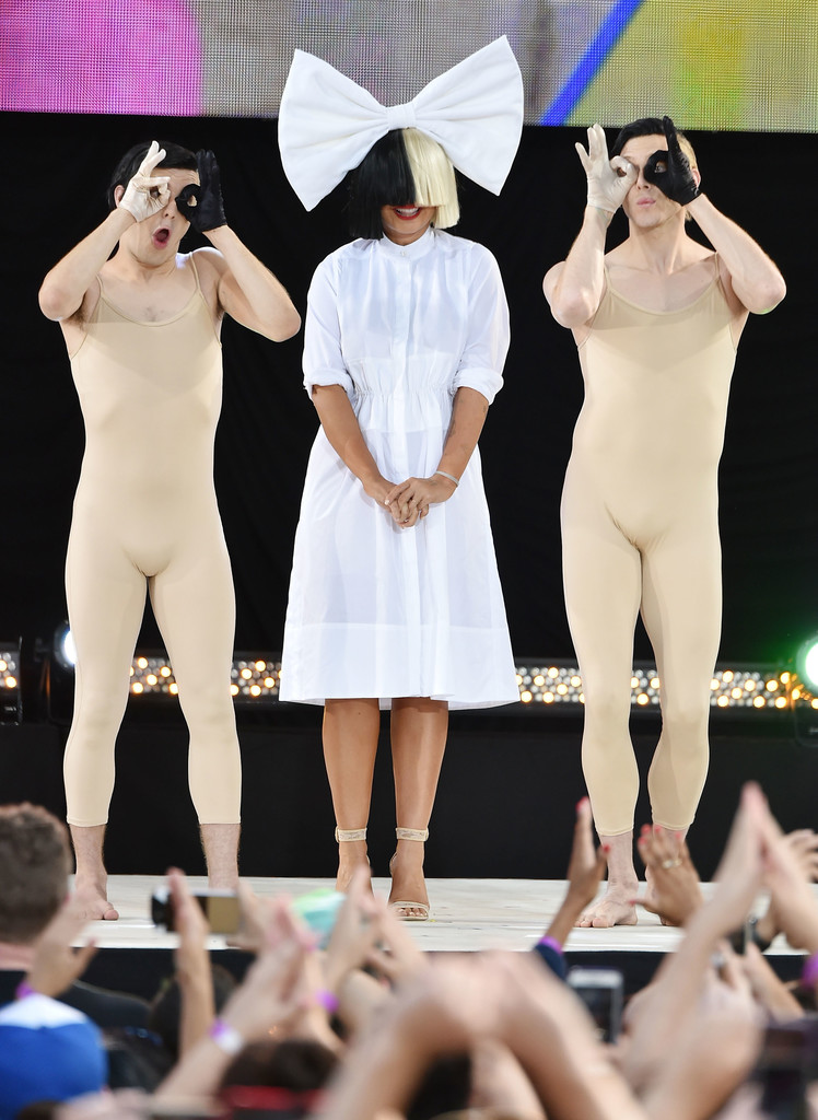 Good Morning America How Are You Chords : Sia photos performs on abc s good morning