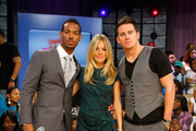 "Actor Marlon Wayans, actress Sienna Miller and actor Channing Tatum visit BET's ""106 & Park"" at BET Studios on August 3, 2009 in New York City."