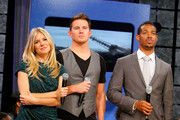 "Actress Sienna Miller, actor Channing Tatum and actor Marlon Wayans visit BET's ""106 & Park"" at BET Studios on August 3, 2009 in New York City."