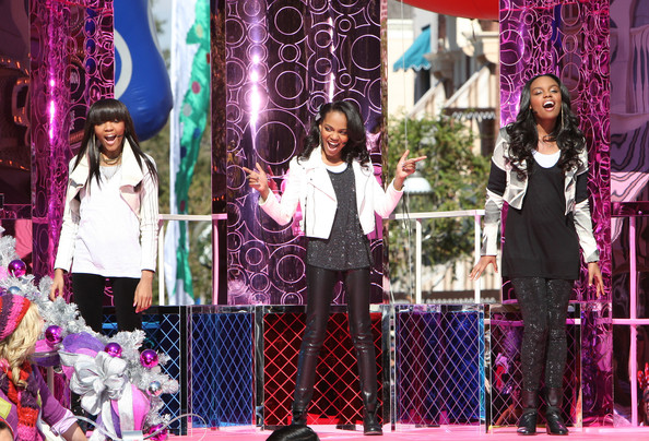Images And Places Pictures And Info China Anne Mcclain Sisters