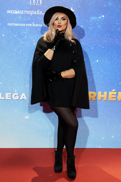 'Superlopez' Madrid Premiere [cinema,clothing,fashion,tights,outerwear,carpet,footwear,fashion model,fur,electric blue,red carpet,silvia superstar,superlopez,capitol,madrid,spain,premiere,superlopez madrid premiere]