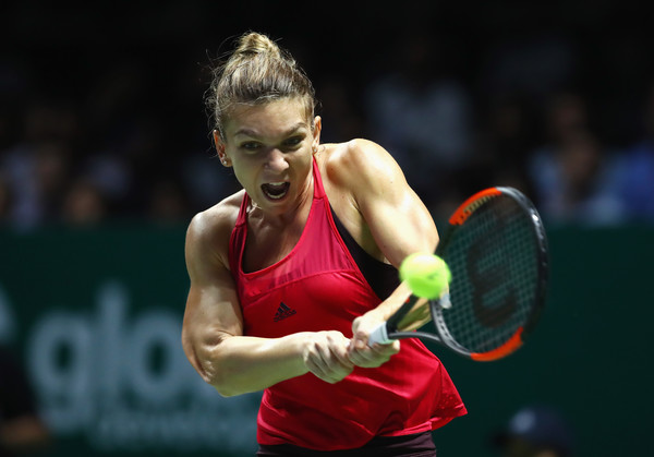 Simona Halep Starts 2018 As World No.1, But Without A Clothing Sponsor  Clothing Sponsorship