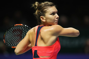 Simona Halep BNP Paribas WTA Finals: Singapore 2016 - Day Three