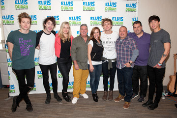 Skeery Jones 5 Seconds Of Summer Visits a Radio Show