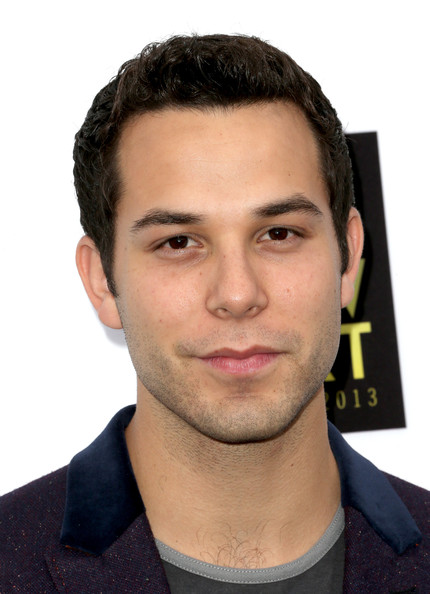 Skylar Astin Pictures - 2013 NewNowNext Awards - Red ...
