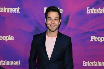 Skylar Astin Entertainment Weekly & PEOPLE New York Upfronts Party 2019 Presented By Netflix - Arrivals
