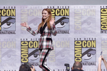 Sophie Turner Comic-Con International 2017 - 'Game Of Thrones' Panel and Q+A Session