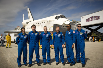 Nicole Stott Space Shuttle Discovery Returns From Its Final Mission To Int'l Space Station