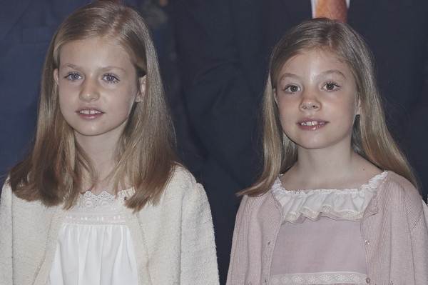 Princess Leonor of Spain (L) and Princess Sofia of Spain (R) attend the Easter Mass at the Cathedral of Palma de Mallorca on April 5, 2015 in Palma de Mallorca, Spain.