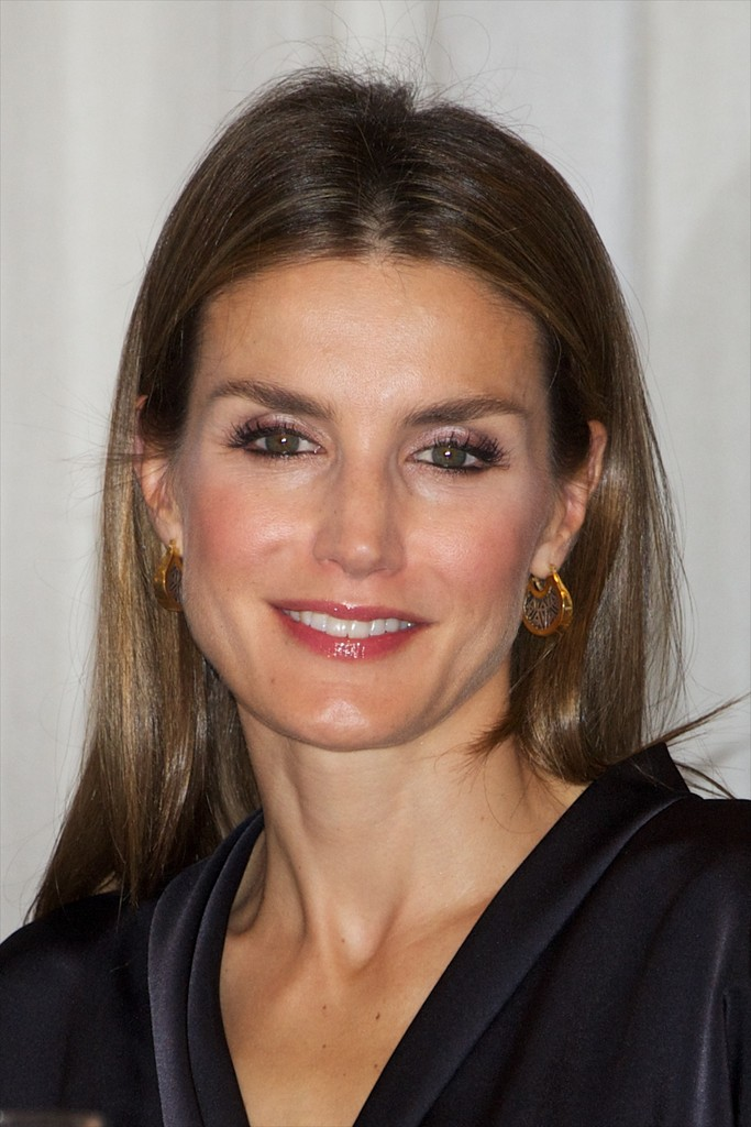 Letizia, Princesa de Asturias (III) (FORO CLAUSURADO) Spanish+Royals+Attend+Francisco+Cerecedo+Journalism+vuqZeOoecwJx