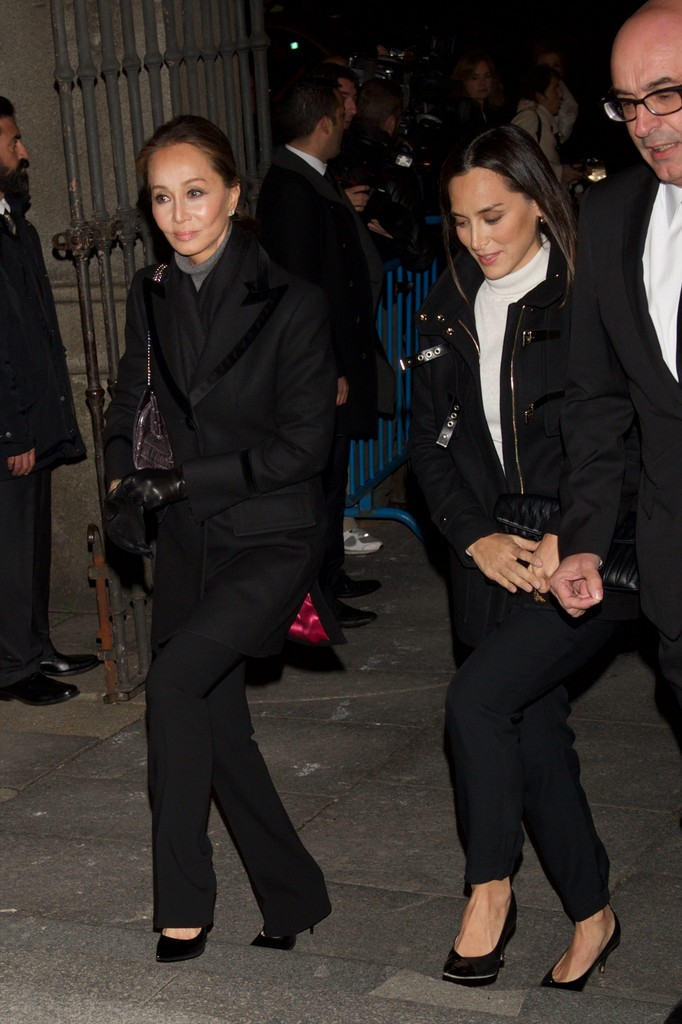 Mercedes San Francisco >> Isabel Preysler Photos Photos - Spanish Royals Attend a ...