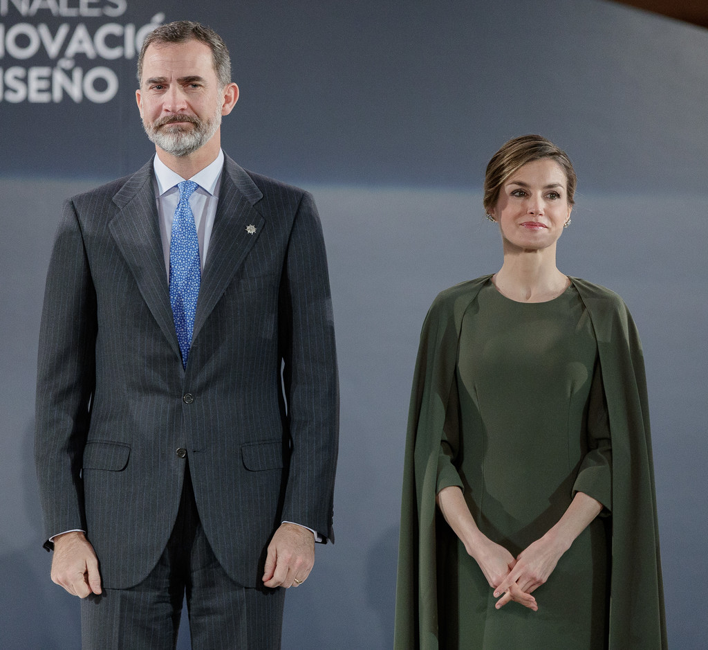 http://www2.pictures.zimbio.com/gi/Spanish+Royals+Deliver+National+Design+Innovation+iKLd-U1X2tkx.jpg