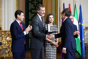 Alberto Iglesias (r) receives the Gold Medal of Merit in Fine Arts 2017 from King Felipe VI of Spain and Queen Letizia of Spain on February 18, 2018 in Cordoba, Spain.