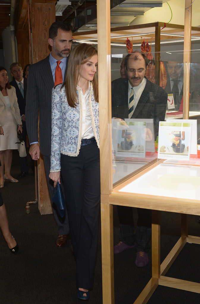 Exhibition Booth In Spanish : Queen letizia of spain photos spanish royals at