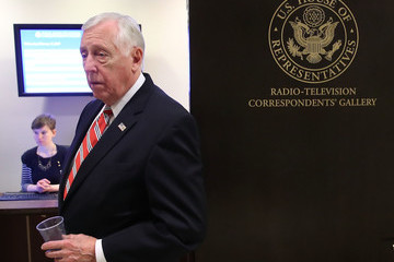 Steny Hoyer Group Of Bipartisan House Reps. Announce Russian Sanctions Legislation