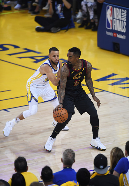 J R Smith Stephen Curry Stephen Curry Photos 2018 Nba Finals Game One Zimbio