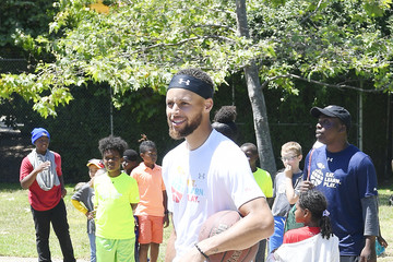 Stephen Curry Stephen And Ayesha Curry Celebrate Launch Of Eat. Learn. Play. Foundation